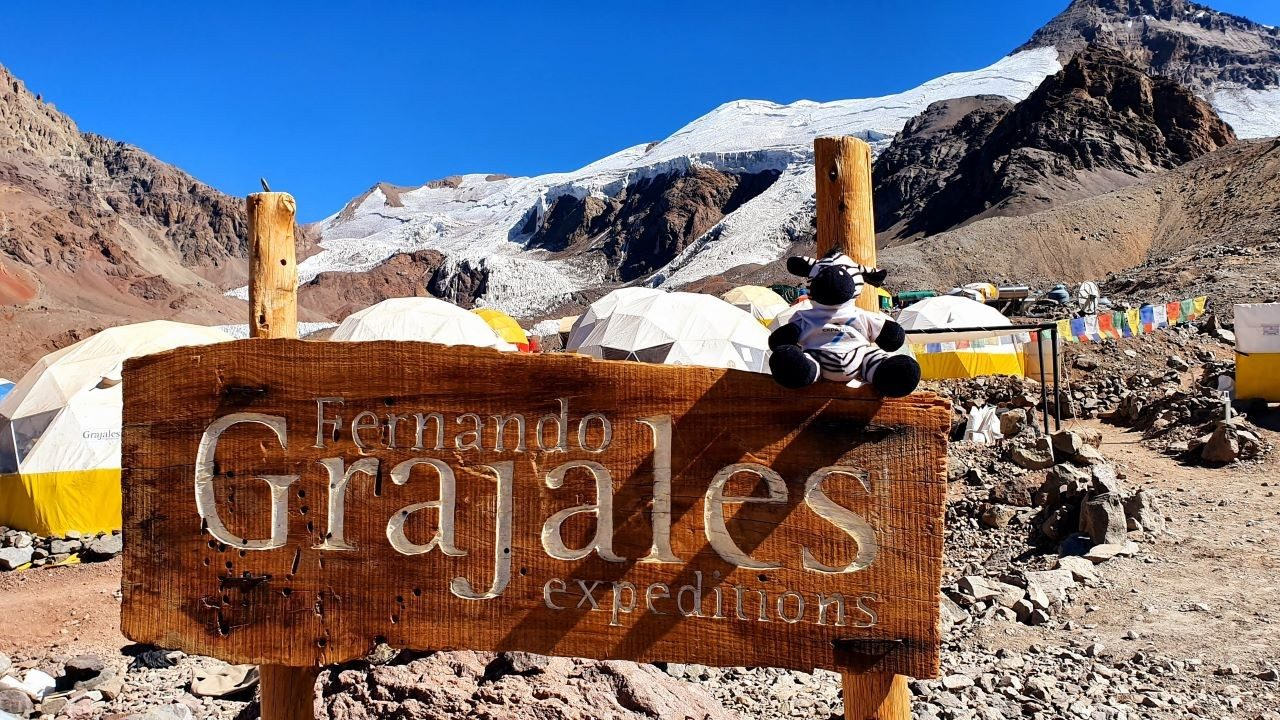 Grajales base camp sign