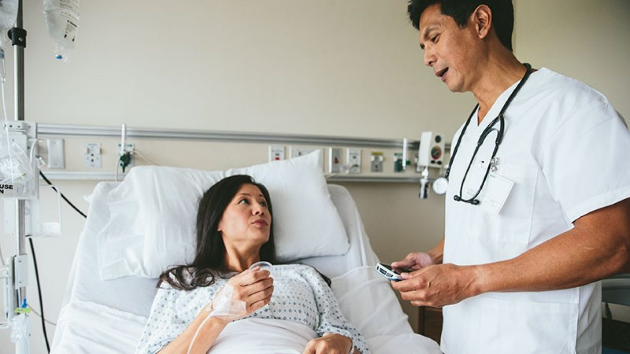 Nurse using Zebra Scanner to Scan Patient Wristband